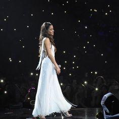 La imagen puede contener: una persona, noche Camila Gallardo, Wattpad, Celebs, Celebrities, My Princess, Selena Gomez, Girl Power, Love Story, Singer