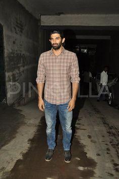 Aditya, Madhvan attend special screening of 'Bobby Jasoos' | PINKVILLA