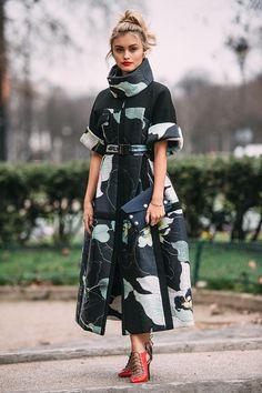Sarah Ellen at Paris Fashion Week Fall/Winter 2016 Sarah Ellen at Paris Fashion Week Fall/Winter 2016 Look Fashion, High Fashion, Winter Fashion, Fashion Design, Couture Fashion, Runway Fashion, Womens Fashion, Fashion Trends, Paris Fashion