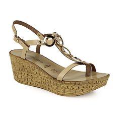 Πλατφόρμες με διακοσμητικό από κρίκους Wedges, Shoes, Fashion, Moda, Zapatos, Shoes Outlet, Fashion Styles, Shoe, Footwear
