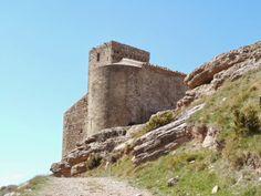 La iglesia de Nuestra Señora de Marcuello, está situada en la sierra de Marcuello y pertenece a la localidad de Sarsamarcuello provincia de Huesca. Provincia de Huesca #Historia #turismo http://www.rutasconhistoria.es/loc/iglesia-de-nuestra-senora-de-marcuello