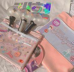 Kpop Aesthetic, Pink Aesthetic, Ideas Decorar Habitacion, Army Room Decor, Bts Army Bomb, Album Bts, Kpop Merch, Aesthetic Pictures, Bts Wallpaper