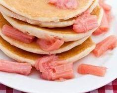 Pancakes à la rhubarbe : http://www.cuisineaz.com/recettes/pancakes-a-la-rhubarbe-28678.aspx