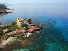 The Sardinian villa from a different angle. Gorgeous!!