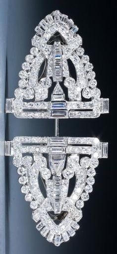 A very fine Art Deco diamond jabot brooch