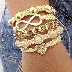 Diy idea: set of macrame bracelets Hemp Jewelry, Macrame Jewelry, Jewelry Crafts, Handmade Jewelry, Diy Bracelets Easy, Macrame Bracelets, Fashion Bracelets, Fashion Jewelry, Crochet Bracelet