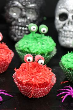 Monster Eye cupcakes- cute for Halloween or kids monster party!