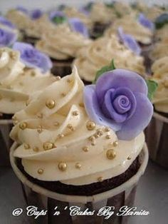 @Heidi DuPrey I like the decorations on the cupcakes
