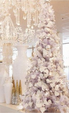 Tree Decor for Living Room Elegant White Christmas Design for Your Living Room White Christmas Trees, Beautiful Christmas Trees, Noel Christmas, Pink Christmas, Xmas Trees, Christmas Tree Decorating Tips, Christmas Tree Design, Christmas Tree Decorations, Decorating Ideas