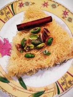 """Η Συνταγή είναι των κ. Ελένη Γαρυφάλλου και Άννα-Μαρία Ζάχου - (((( """"ΟΙ ΧΡΥΣΟΧΕΡΕΣ / ΗΔΕΣ""""))))) Υλικά Ένα πακέτο καταΐφι 450 γραμμάρια 400 γραμμάρια τυρί κρέμα light 250 γραμμάρια βούτυρο αγελαδινό Σιρόπι: 500 ml νερό 300 γραμμάρια ζάχαρη ή 200 γραμμάρια φρουκτόζη Risotto, Grains, Rice, Sweets, Ethnic Recipes, Food, Gummi Candy, Candy, Essen"""