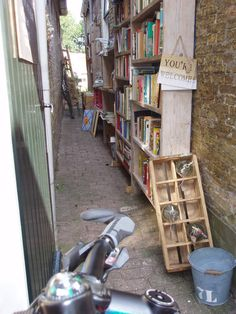 Sloten, boeken te koop in de Sneup-steeg Foto: Yvonne Klooster