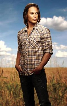 Tim Riggins/ Taylor Kitsch. The ONLY reason I watched 5 seasons Friday Night Lights. Beautiful.
