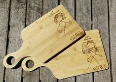 Miss a thank you gift DIY - With the wooden hobby burner, we made a personal cutting board as a thank you for the school teache - Diy Home Crafts, Handmade Crafts, Teacher Appreciation Gifts, Teacher Gifts, Diy Gifts For Kids, Crafts For Kids, Gifted Kids, Diy Presents, Handmade Headbands
