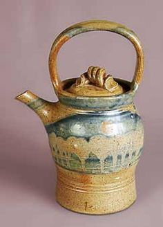 Jane Hamlyn spouted pot, one of my favorite potters. Love everything she does.