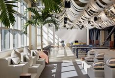 Tech start-up Dropbox's sq. headquarters in San Francisco, California. By Boor Bridges Architecture, founded by alumni Bonnie Bridges [MArch and Seth Boor [BArch Interiors by Geremia Design Bridges Architecture, Interior Architecture, Interior Design, Factory Architecture, Design Interiors, Interior Decorating, San Francisco, Commercial Design, Commercial Interiors