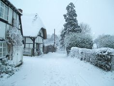 ENGLAND: East Hendred in snow