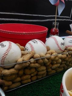 Adore a baseball party! Maybe ill throw a Braves Baseball Party during a game! Baseball Birthday Party, Sports Birthday, Sports Party, 1st Birthday Parties, Boy Birthday, Birthday Ideas, Theme Parties, Guy Graduation Party Ideas, Vintage Baseball Party
