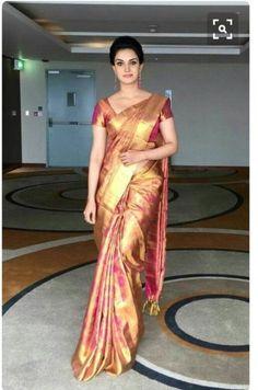 New wedding dresses classic elegant skirts Ideas Indian Bridal Sarees, Bridal Silk Saree, Indian Silk Sarees, Pure Silk Sarees, Indian Beauty Saree, Wedding Sarees, South Indian Sarees, Satin Saree, Red Saree