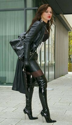 Thigh High Boots Heels, Hot High Heels, High Leather Boots, Leather And Lace, Fashion Moda, Womens Fashion, Skirt Fashion, Looks Country, Leder Outfits