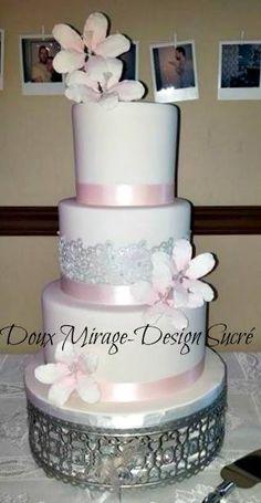 Gâteau de mariage blanc et rose, Pink and white wedding cake