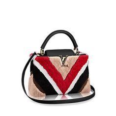 The practical and elegant Capucines PM comes in an incredible fur patchwork version.