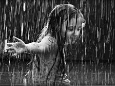 Dancing in the rain...I longe it!