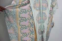 Noone does prints quite like Zandra Rhodes! This one makes us think of turbans, cocktails and the French Riviera.