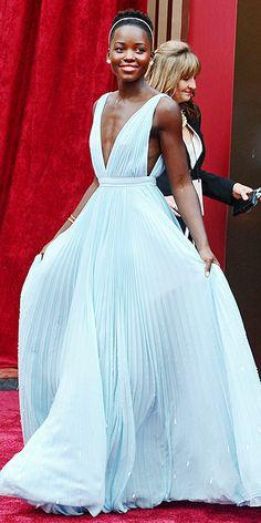 My favorite dress from the Oscars 2014! Lupita Nyongo at the 2014 Oscars!!! More pictures from the Oscars on Pampadour.com!