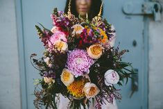 Best of 2017: bouquets | vibrant and unstructued with roses and dahlias