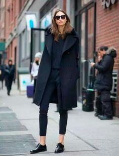 look all black oxford shoes