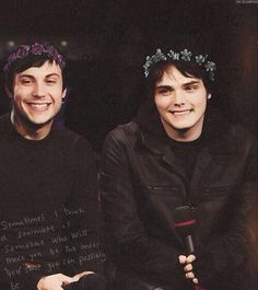 Frank Iero and Gerard Way being cute. Like always.