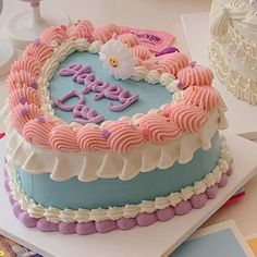 Fancy Cakes, Mini Cakes, Cupcake Cakes, Cupcakes, Pretty Birthday Cakes, Pretty Cakes, Simple Cake Designs, Pastel Cakes, Frog Cakes