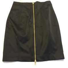 H M black tight fitting skirt with back zipperNWOT Has a full zipper in back . A 51% cotton , 42% polyester 7 %elastin . 19 in inseam size 6 waist measures 28 inches . H&M Skirts Pencil