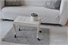 Weißer Beistelltisch - white side table