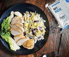 Lyst på noe sunt og godt til middag! Look no further!  Lav-karbo Egg Fried Rice!  @myprotein @myproteinno #Myprotein #myproteinnorge #kommersnart #fuelyourambition #lavkarbo #lowcarb #lchf #proteinrice #proteinrecipes #proteinris  #healthyeating #healthychoices #healthyfood #sunnmat #suntoggodt #yummy #nam  Denne oppskriften er et supert alternativ til (ofte) kjedelige lav-karbo måltider. Vår egg fried rice er full av smak og passer for med kyllingfilet.  Ingredienser:  1 pakke My Rice  2…