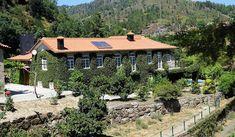 Cabin, House Styles, Home Decor, Baroque Decor, Sint Maarten, Blue Roses, San Antonio, Beautiful Images, Environment
