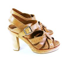 gorgeous Chloe sandals. I WANT THESE!