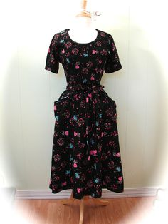 Vintage 50s Dress Amazing Print Swirl Wrap Dress with by maybel57, $275.95
