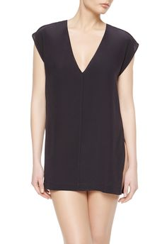 1f7b56ce9560 An easy and versatile top with a plunge neckline.The model is 178 cm tall  and wears a La Perla size 80 cm