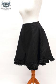 Zerinthia polyxena - Knee-length Petticoat