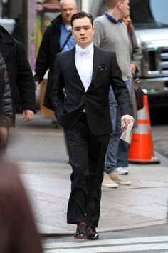 """Ed Westwick stoically makes his way to the set of """"Gossip Girl"""" in New York City"""