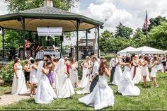 Woodstock Wedding Network is made up of a group of dedicated local wedding professionals and hosts regular Wedding Walks/Bridal Expos, woodstockweddingnetwork.com