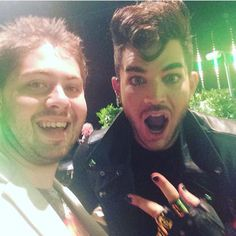 new pic of adam and looks like he has vampire teeth lol https://instagram.com/p/7GtM7bBIlU/