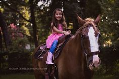 Pets, child photography, kids, horses, little girl, Dania deweese photography, fun, happy