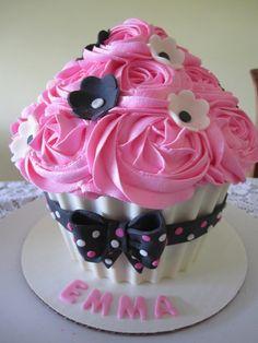 giant cupcake