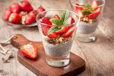 chia pudding, strawberries and muesli in a glass , fresh strawberry on old wooden background (Toning) Muesli, Calcium Rich Foods, Healthy Brain, Köstliche Desserts, Diet Breakfast, Chia Pudding, Food Videos, Healthy Living, Vegan Recipes