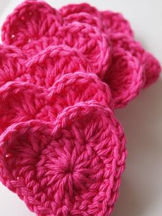 Heart face pads pink heart crochet scrubbies by mostlyjonah http://flowergirlcottage.blogspot.mx/2012/01/simple-and-cute-crochet-heart-pattern.html