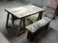 dining room table, i seriously want this. its perfect for an apartment