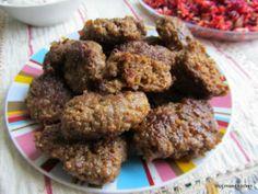 Sarımsaklı sucuk köftesi (pittige köfte met knoflook)