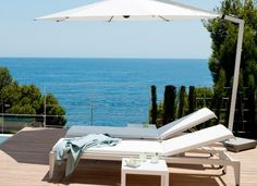 Minimalism with a playful twist, the outdoor Mirthe Lounger has everything that goes with a typical Tribù furniture piece. Types Of Eclipse, Outdoor Umbrella Stand, Umbrella Stands, Contemporary Garden Furniture, Canvas Awnings, Garden Parasols, Garden Sofa, Luxury Yachts, Outdoor Cushions